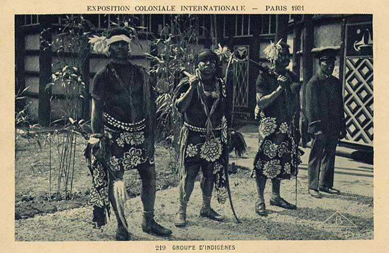 """Des """"groupes d'indigènes"""" canaques"""