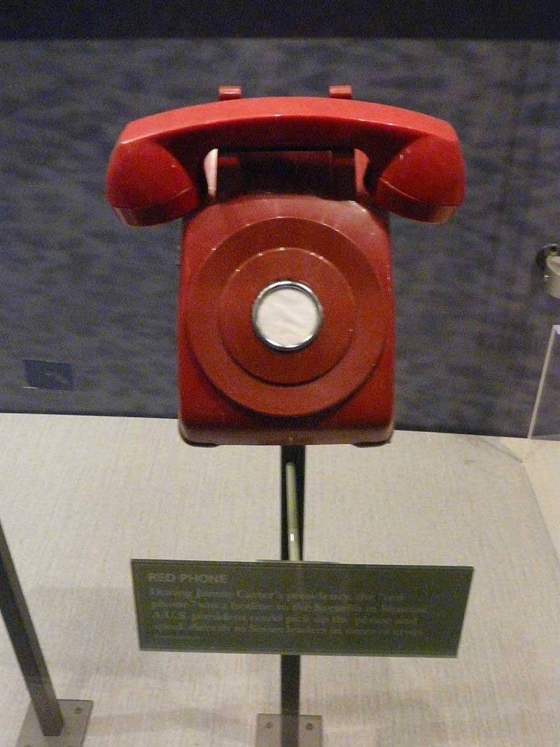 Le téléphone rouge, symbole de la Détente