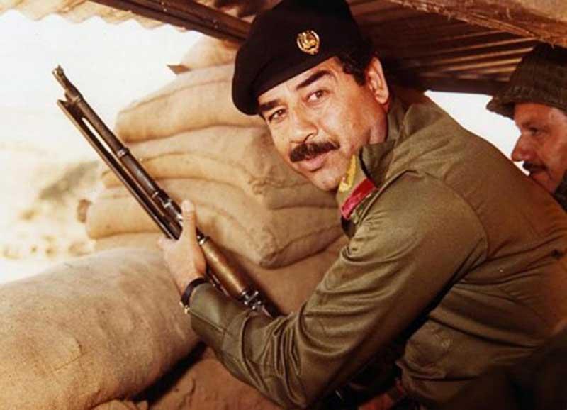 Saddam Hussein durant la guerre entre l'Iran et l'Irak