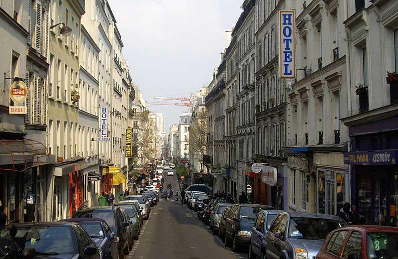 La rue Myrha à Paris au cœur d'un quartier en pleine gentrification : la Goutte-d'Or