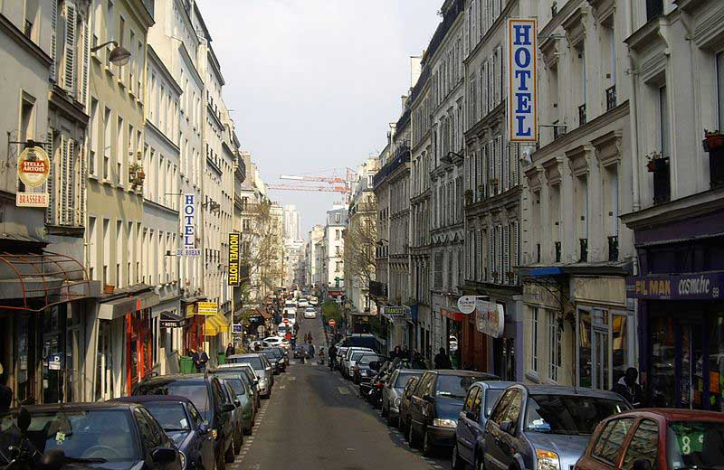 La rue Myrha à Paris au cœur d'un quartier en gentrification : la Goutte-d'Or