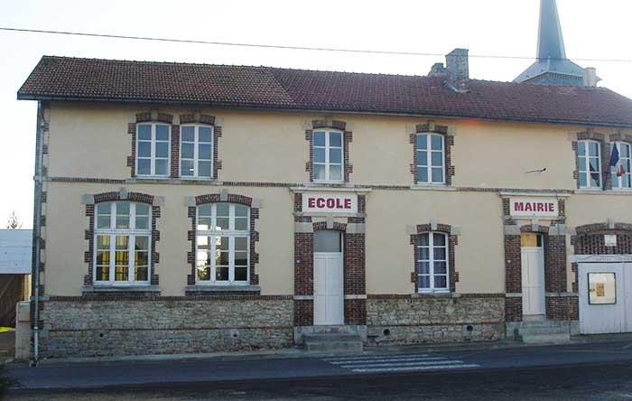 La mairie et l'école de Clamanges édifiées en 1887