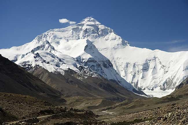 Le mont Everest, plus haut massif montagneux du monde (8848mètres)