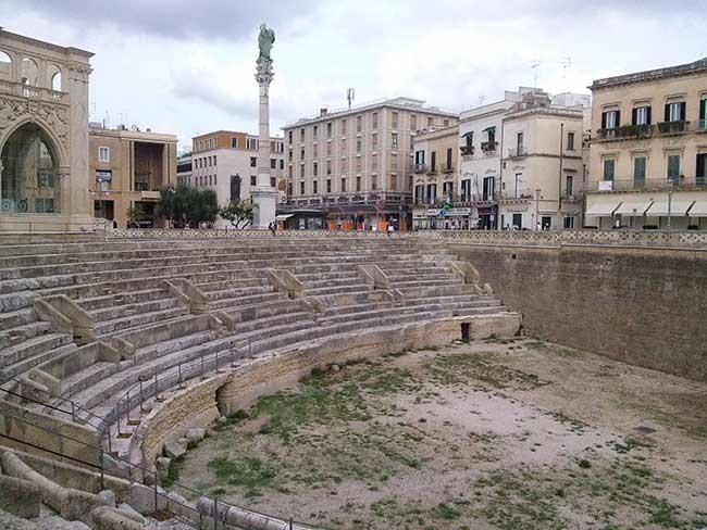 Centre historique de la ville de Lecce en Italie, peuplée depuis l'Antiquité