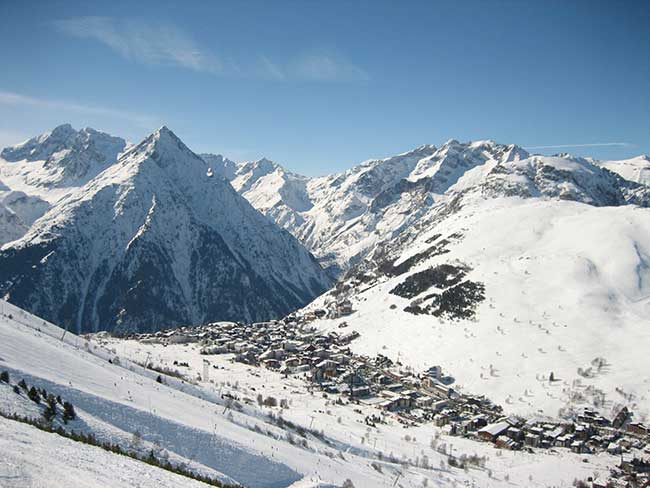 Les Deux-Alpes en France, station de sports d'hiver