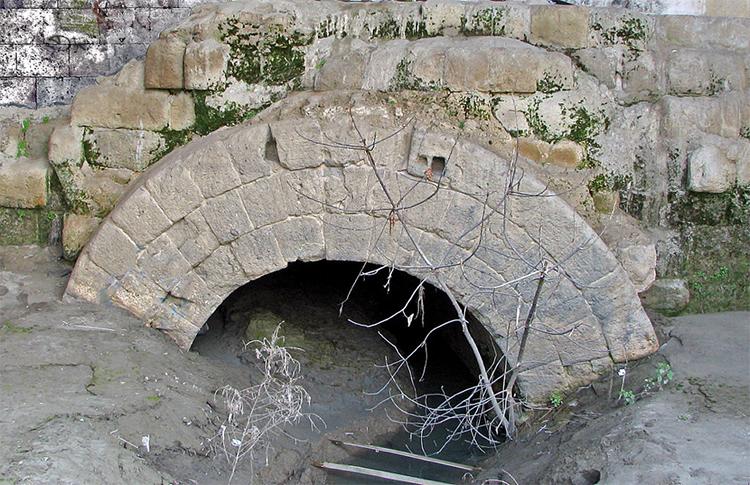 Vestige de la Cloaca Maxima, le grand égout