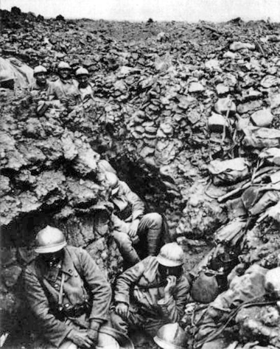 L'armée française dans les tranchées de Verdun