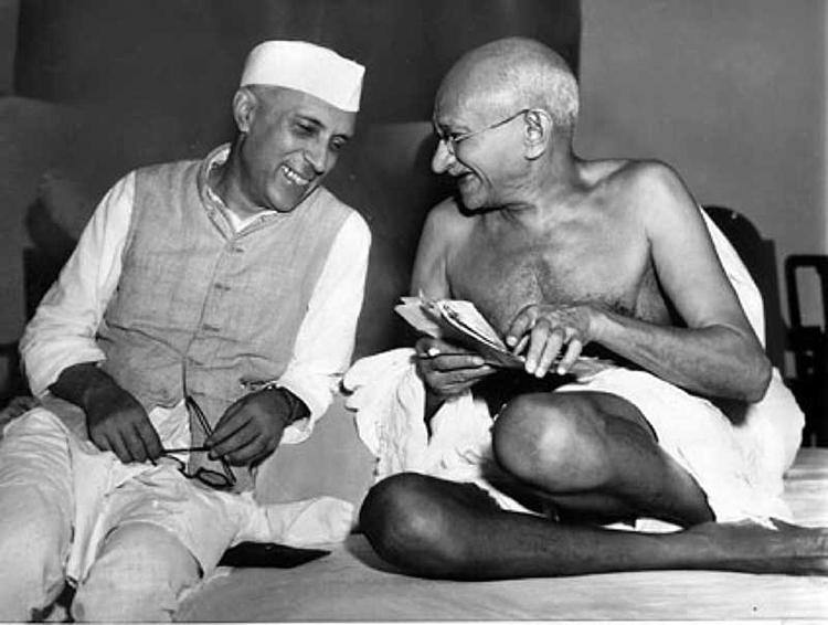 Gandhi et Nehru en 1946