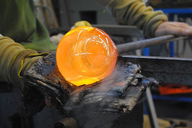 Du verre en cours de fabrication