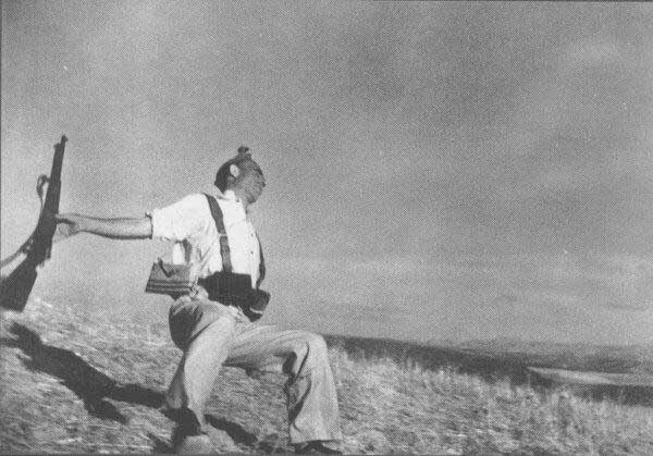 """""""Mort d'un soldat républicain"""", Robert Capa"""