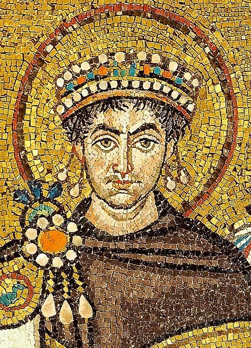 Mosaïque de la basilique de Ravenne représentant Justinien