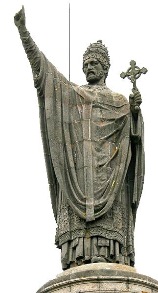 Statue du pape Urbain II à Châtillon-sur-Marne