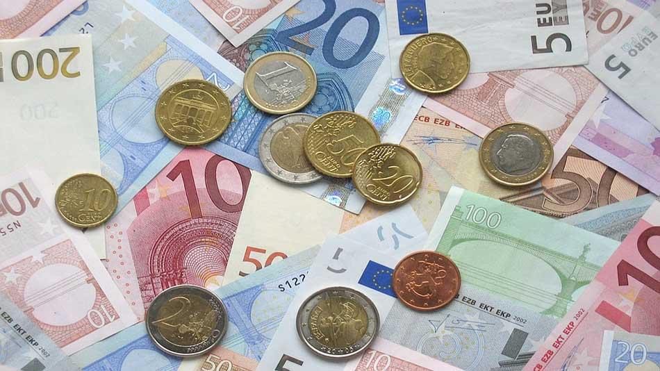 Exemple de pièces et de billets en euro