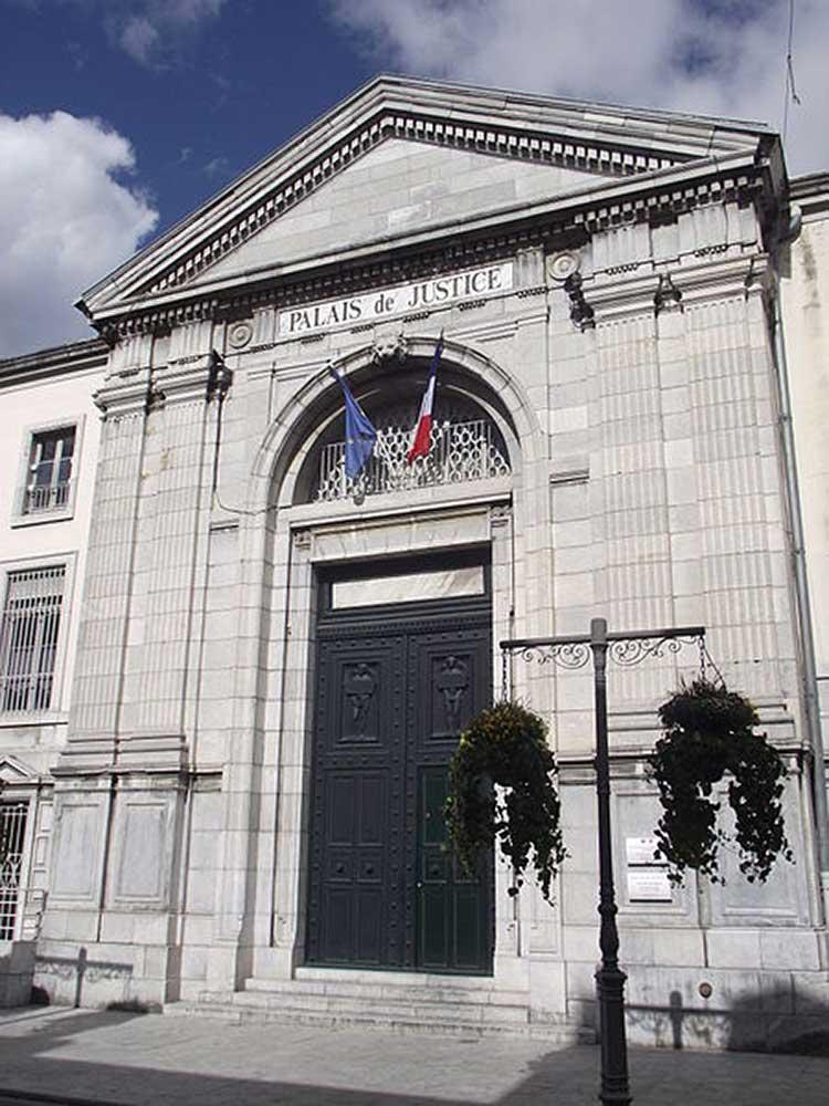 Entrée du tribunal de grande instance de Tarbes (Hautes-Pyrénées)