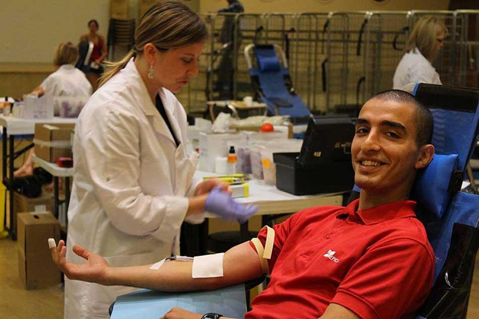 Campagne de don du sang à Cambrai (Nord) en 2017