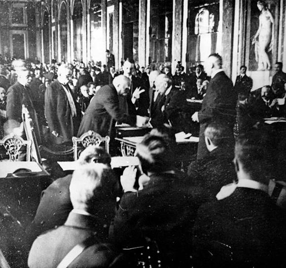 La signature du traité de Versailles, le 28 juin 1919