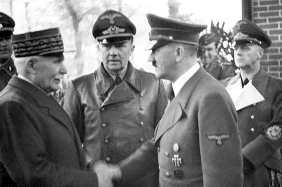 Poignée de main entre Hitler et Pétain en octobre 1940