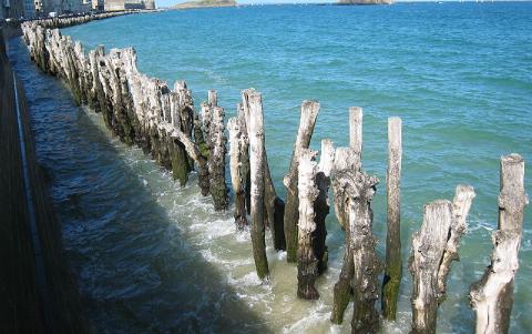 Une protection pare-vagues mise en place à Saint-Malo