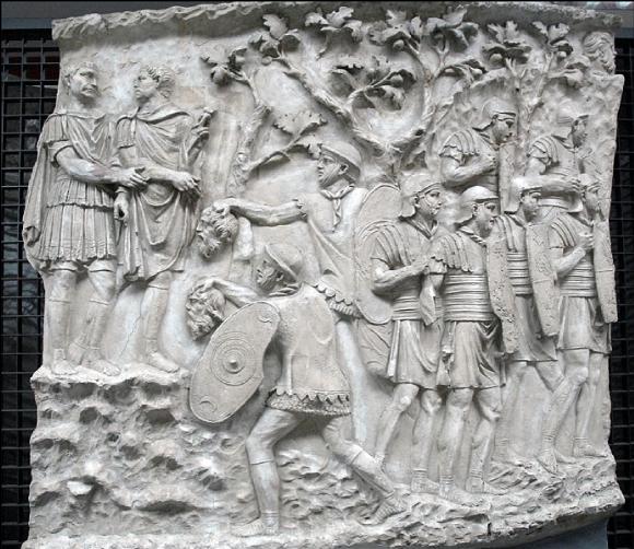 L'empereur Trajan reçoit les têtes des ennemis