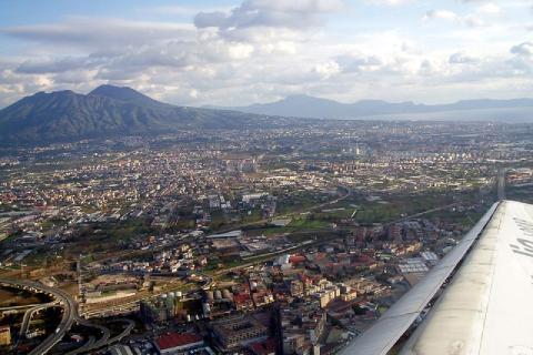 L'agglomération de Naples au pied du Vésuve