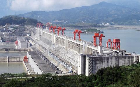 Le barrage des Trois-Gorges en Chine, au moment de sa mise en service en 2009
