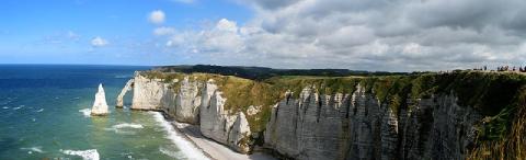 Falaises calcaires à Étretat sur la Côte d'Albâtre en Normandie