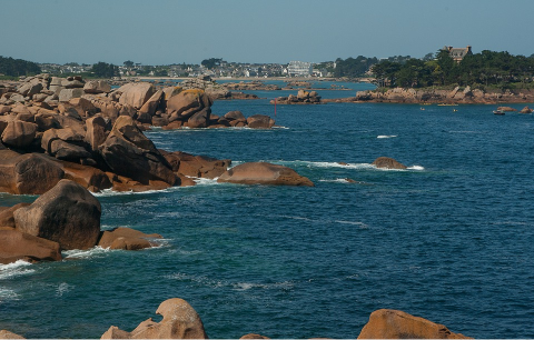 La côte de granite rose à Ploumanach en Bretagne du Nord