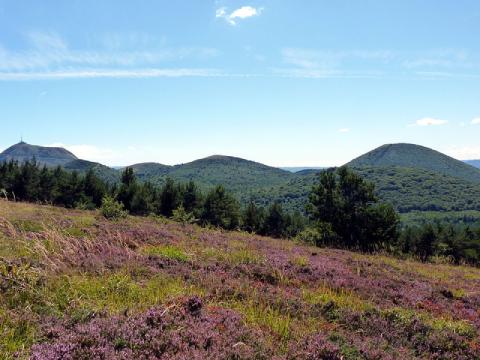 La chaîne des Puys en Auvergne, classée au patrimoine mondial de l'Unesco depuis 2018