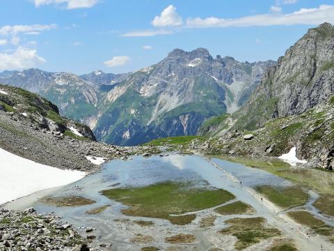 Le lac des Vaches dans le parc national de la Vanoise dans les Alpes