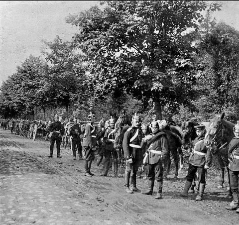 Soldats prussiens progressant en France