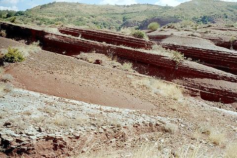 Les couches sédimentaires visibles ici ont mis des millions d'années à se déposer.